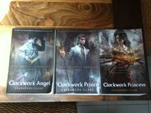 The Infernal Devices 3 libri in inglese.Ottimi.